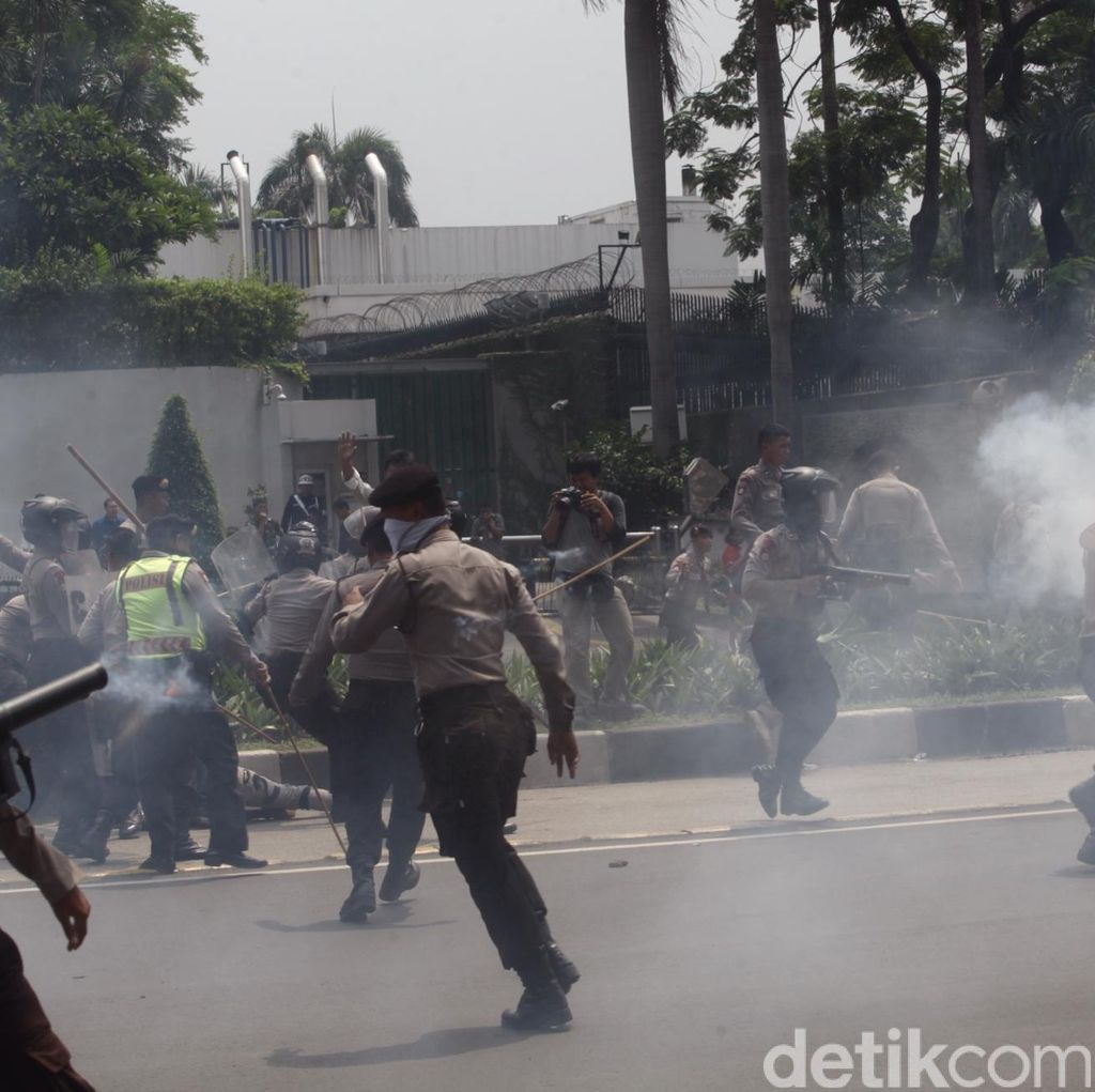 Pendemo Papua Diangkut ke Polda Metro, Lalin Bundaran HI Kembali Normal