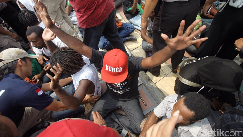 Keroyok Polisi di Tangerang, 2 Mahasiswa Papua Jadi Tersangka