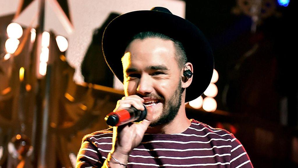 Kekasih Liam Payne 1D Dikabarkan Hamil