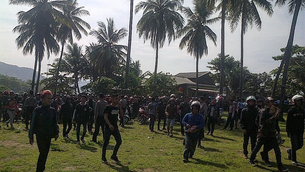 Ini Cerita Kelompok Pemuda Bermotor yang Dikepung Warga di Villa