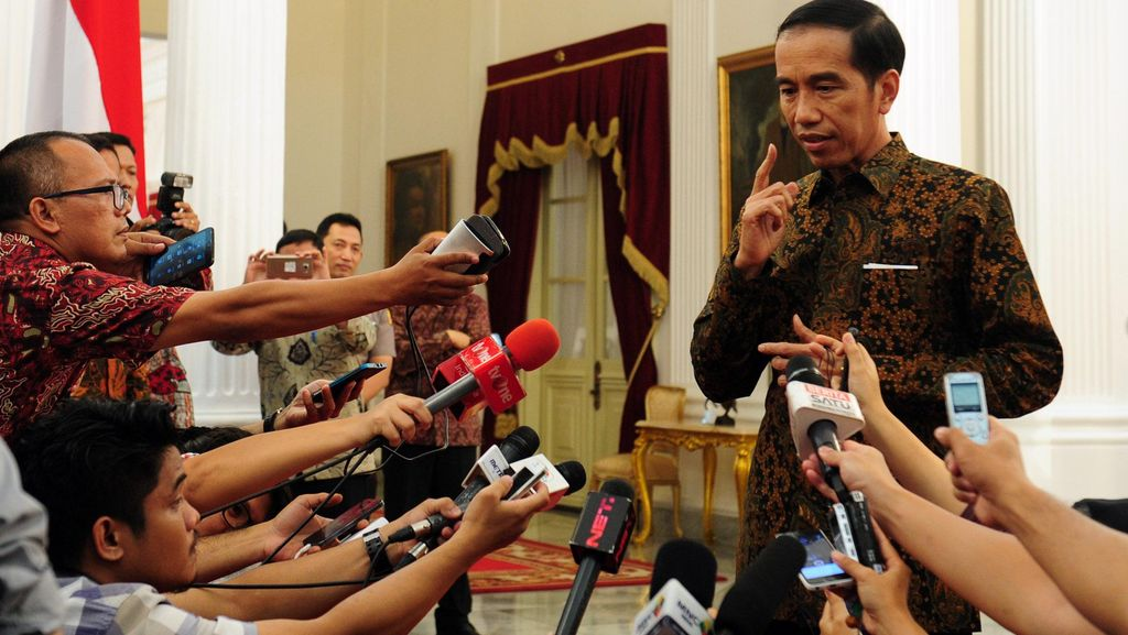 Hari Ini Reshuffle? Jokowi: Ditunggu Saja