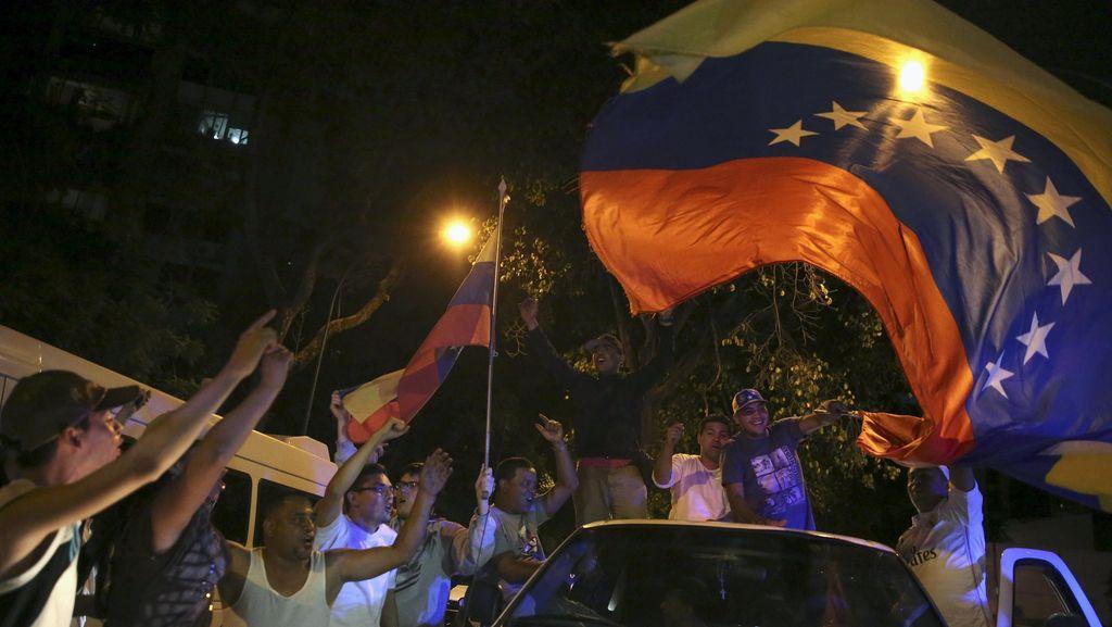 Setelah 16 Tahun, Partai Oposisi Venezuela Menang Pemilu Kalahkan Maduro