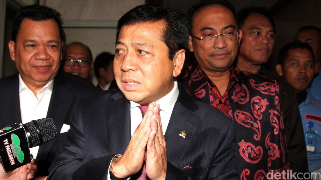 Agung Laksono: Presiden dan Wapres Marah, Novanto Harus Mundur!