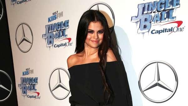 Selena Gomez, Cantik Sekaligus Seksi!