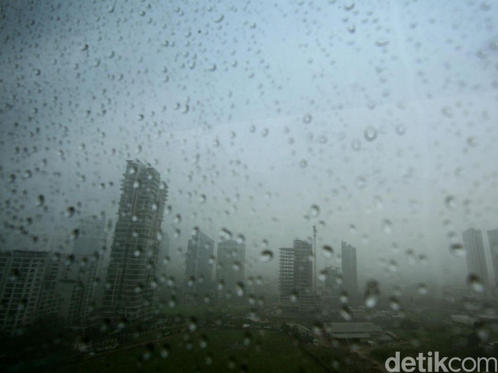 Waspadalah, Hujan Lebat Guyur Jabodetabek Hingga Rabu