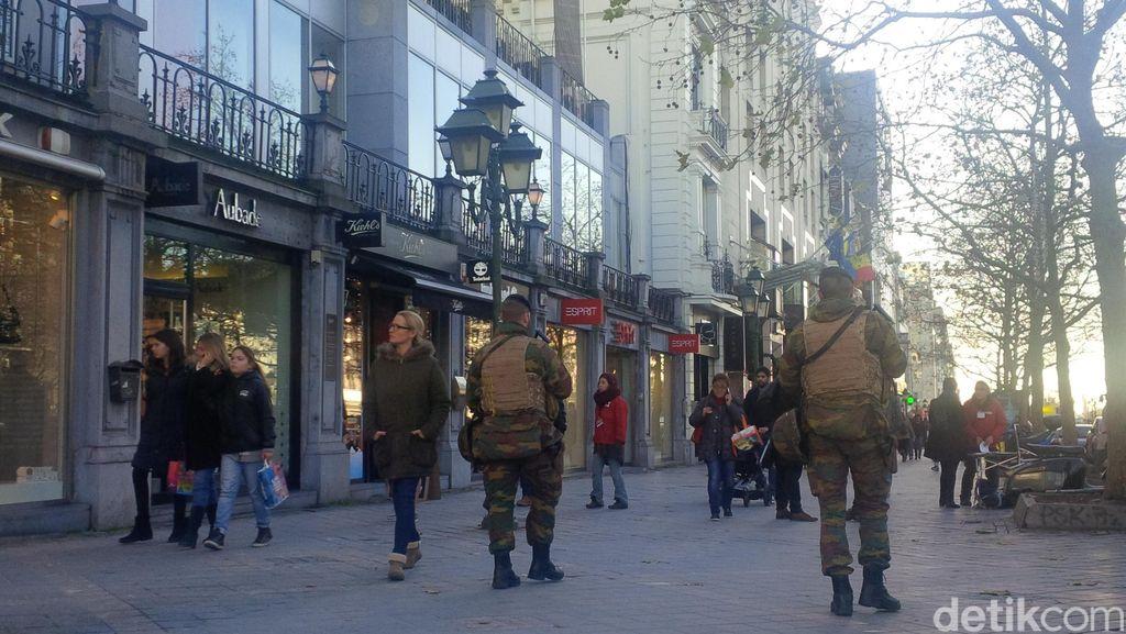 Sebulan Setelah Teror Paris, Antara Turis dan Patroli Tentara di Belgia
