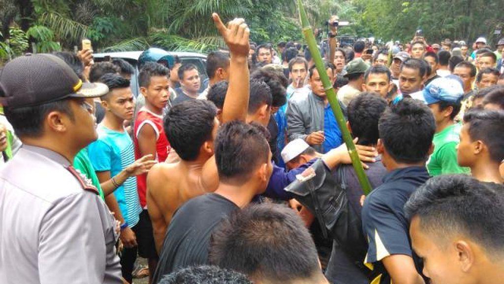 Warga Desa dan Suku Anak Dalam Bentrok, 1 Orang Tewas dan 10 Pondok Dibakar