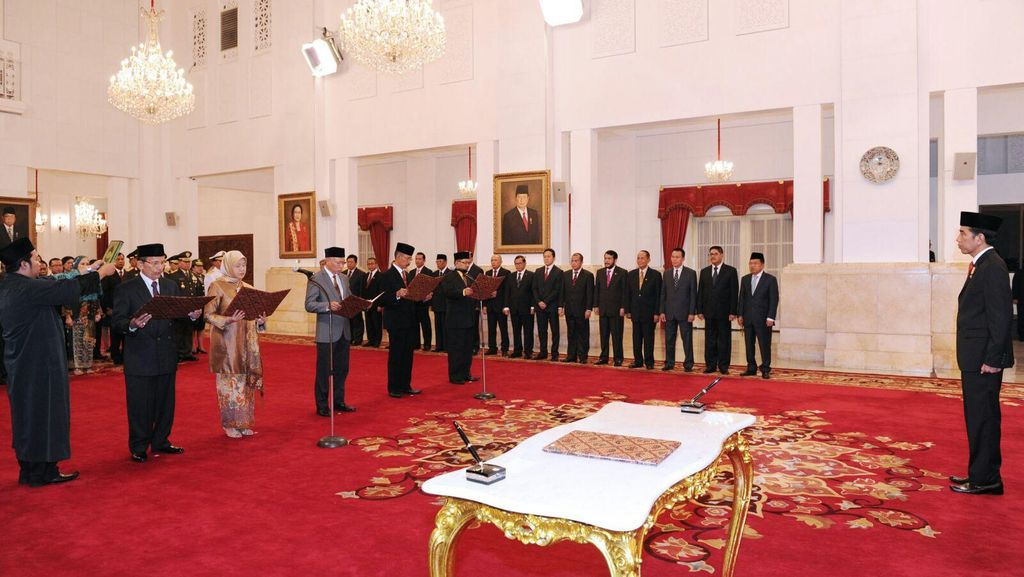 5 Komisioner KY 2015-2020 Bacakan Sumpah di Hadapan Presiden Jokowi