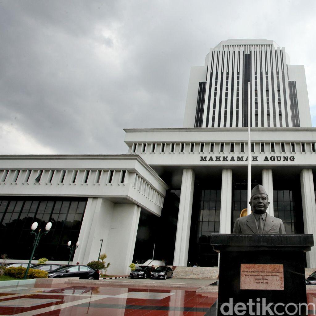 Pimpinan Pengadilan dan Advokat Jadi Pihak yang Paling Banyak Intervensi Hakim