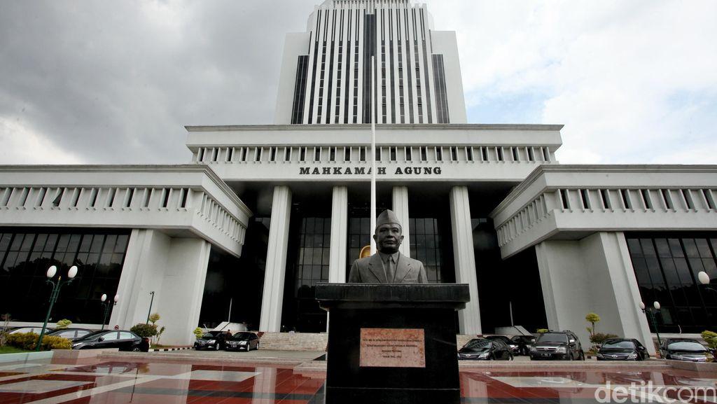 Paket Reformasi Hukum, Presiden Harus Paksa MA Gelar Sidang JR Secara Terbuka