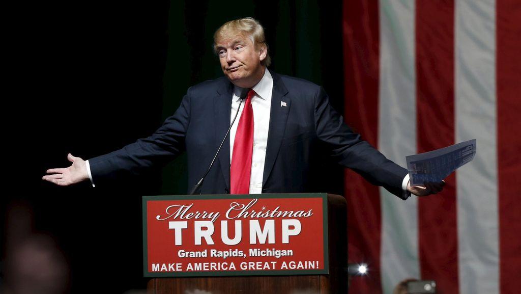 Tak Hanya Hillary, Trump Juga Menyerang Bill Clinton