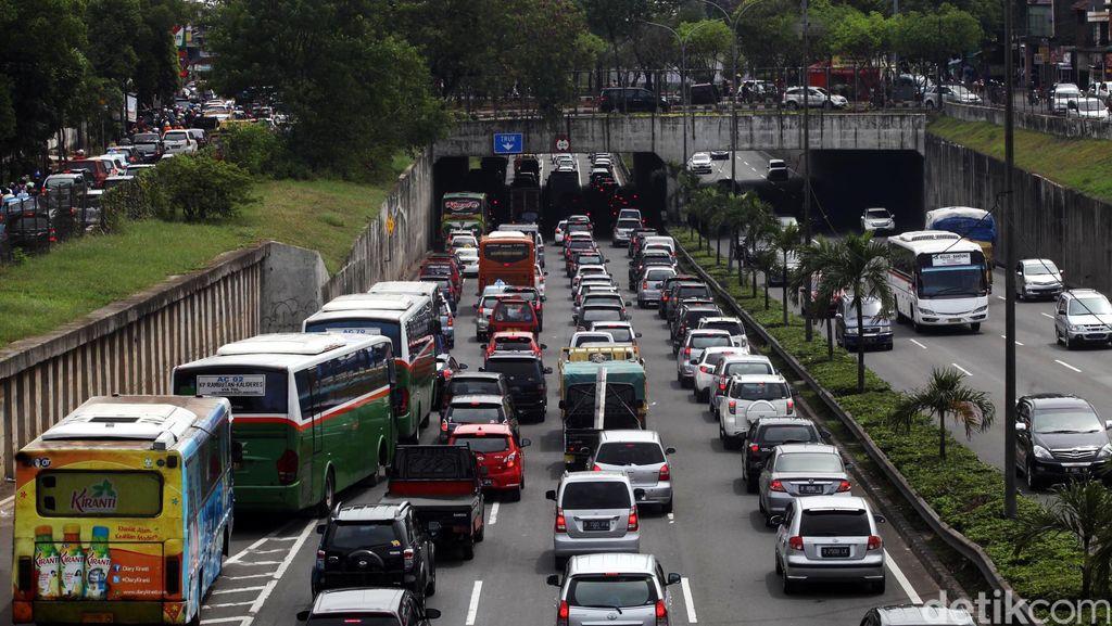 Imbas Libur Panjang, Kemacetan 6 Km Terjadi di Tol Jakarta arah Merak