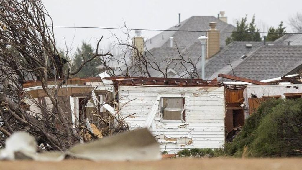Korban Tewas Tornado Texas Tambah Jadi 11 Orang, 400 Penerbangan Dibatalkan
