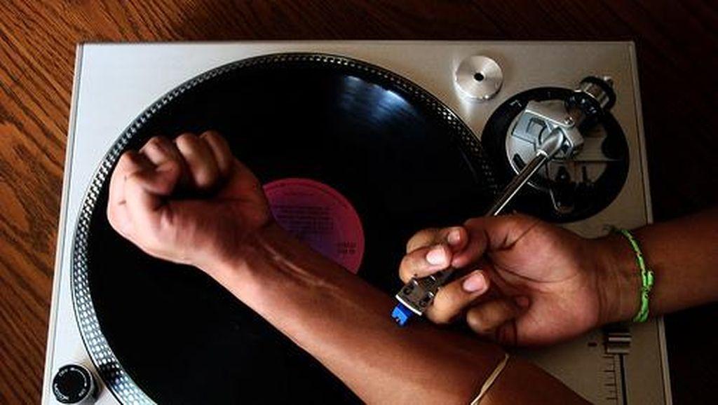 Kisah Asmara Antara Musisi dan Narkoba