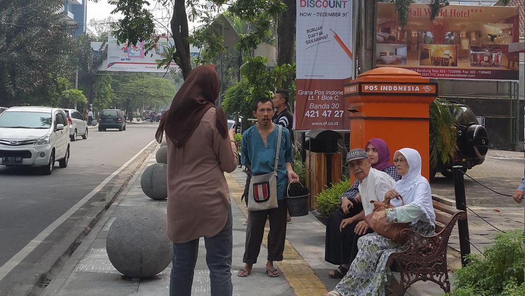 Pastikan Trotoar Mulus, Ridwan Kamil Panggil 15 Kontraktor
