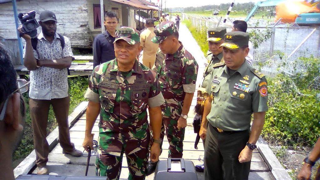 Panglima TNI: Kita Kejar Pelaku Penembakan di Polsek Sinak