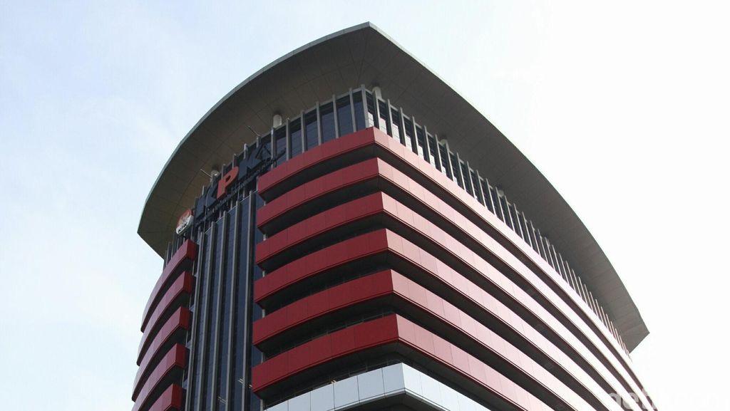 Tangkap Hakim Penerima Suap, KPK Sita 2 Mobil
