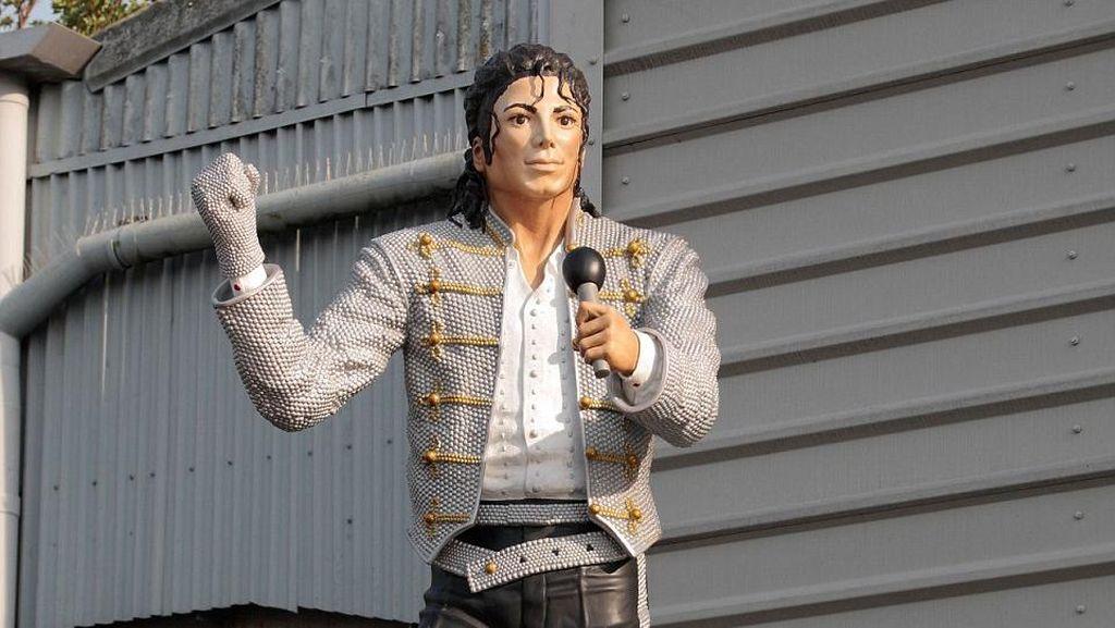 Michael Jackson Hingga Columbus, Ini 5 Patung Terjelek di Dunia