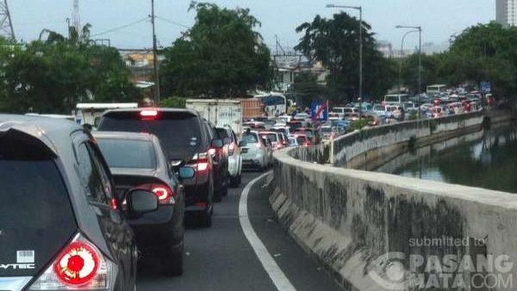 Jalan RE Martadinata Menuju Ancol Ditutup, Lalin Padat