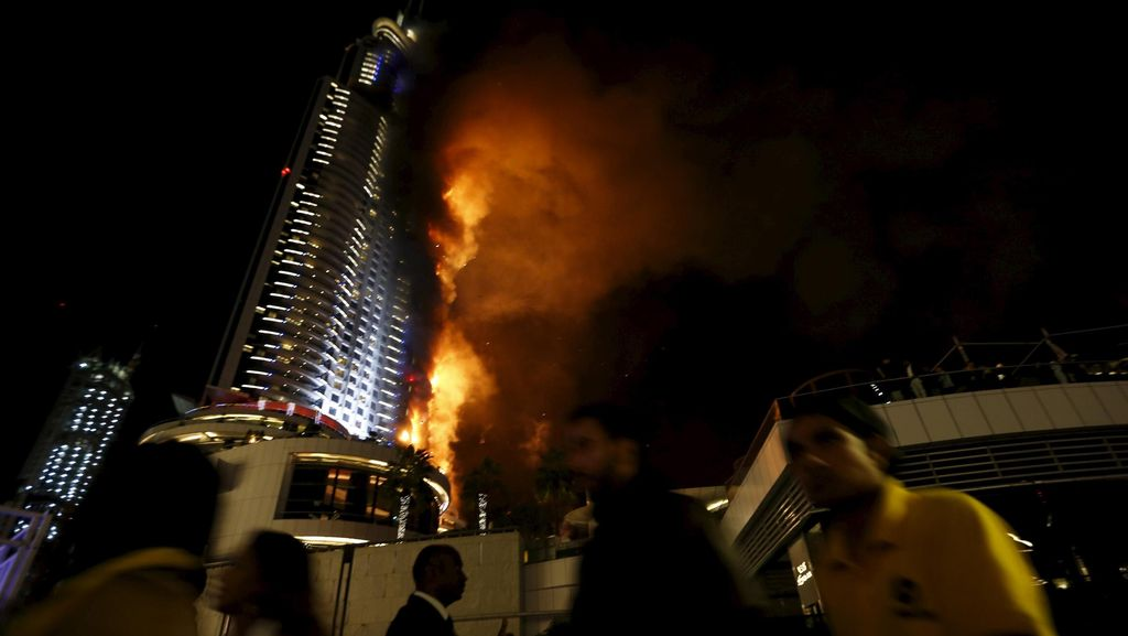 16 Orang Terluka dalam Kebakaran di Gedung Dekat Burj Khalifa