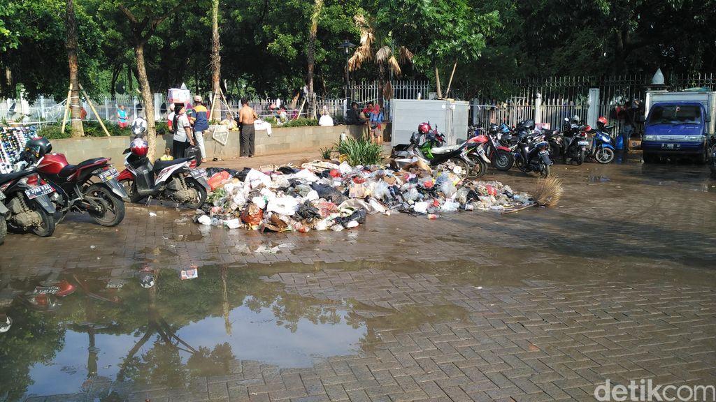 Dinas Kebersihan DKI: Total Berat Sampah Malam Tahun Baru Capai 700 Ton