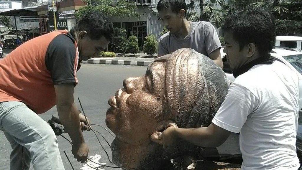 Patung Jenderal Soedirman di Purbalingga Roboh, Ini Penjelasan Pembuatnya
