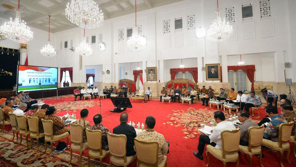 Sinyal Reshuffle, Sidang Kabinet Paripurna dan Evaluasi Menteri oleh Jokowi