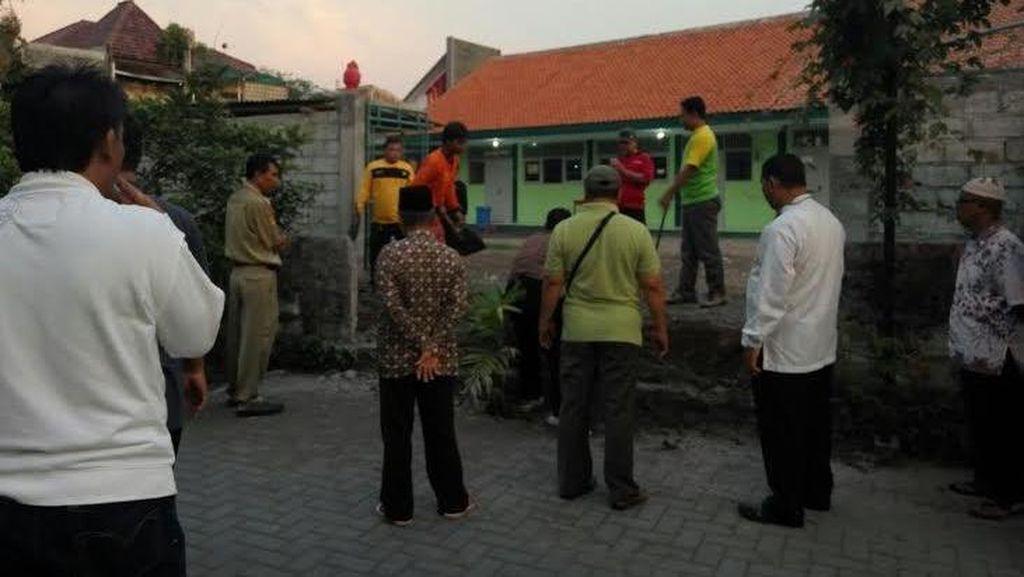 Respons Warga soal Pembongkaran Tembok Akses ke MTs Muhammadiyah Karangkajen