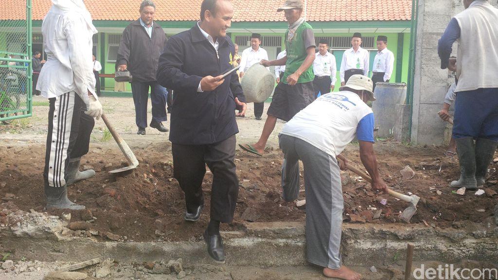 Beda Sikap Warga dan Wali Kota Yogya Terkait Akses ke MTs Muhammadiyah