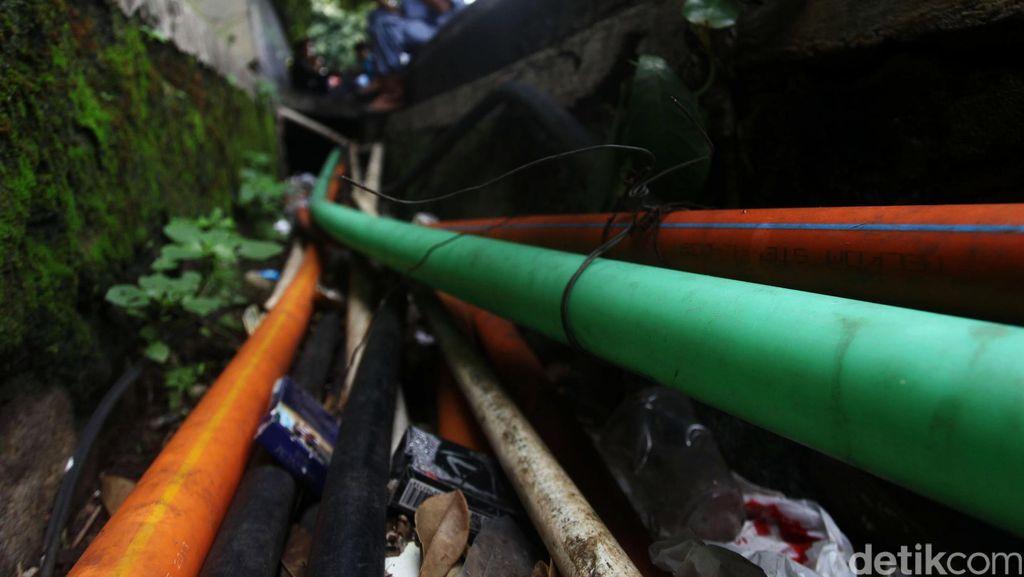 Ahok akan Siapkan Boks Kabel Bawah Tanah Supaya Tak Ganggu Saluran Air