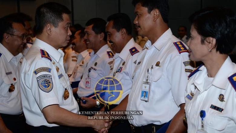 Seragam Dipersoalkan TNI AU, Ini Respons Kemenhub