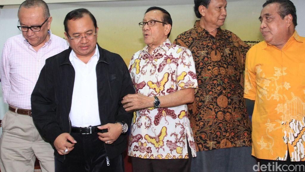Priyo: Sebaiknya Akbar Tandjung Dilibatkan Dalam Pertemuan Islah Golkar