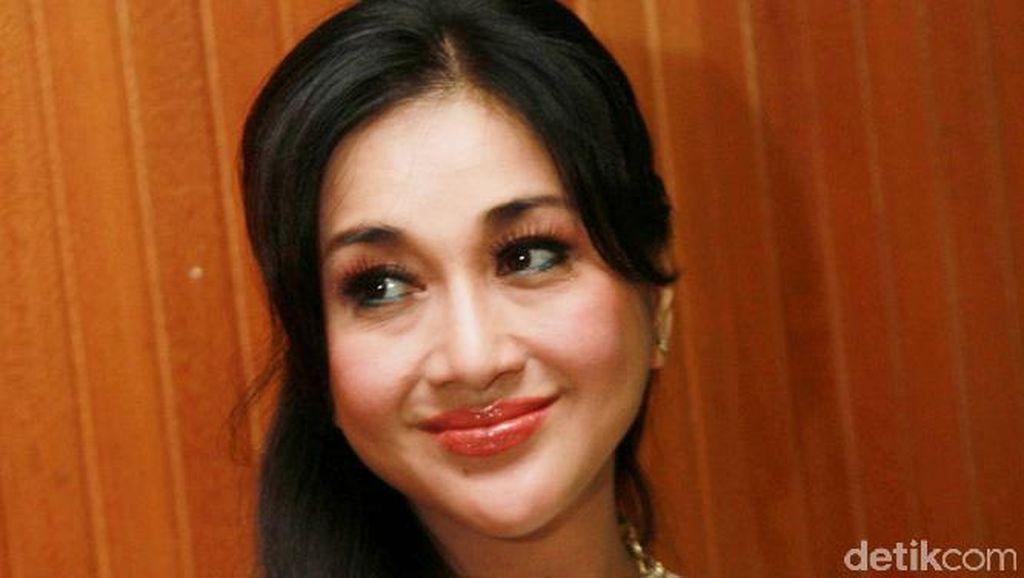 Main Film Bareng Pacar, Paramitha Rusady Kejar Target untuk Nikah?