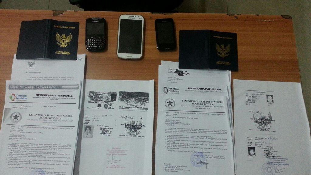 Razia di Apartemen Pesanggarahan, Petugas Tangkap 12 WNA Overstay