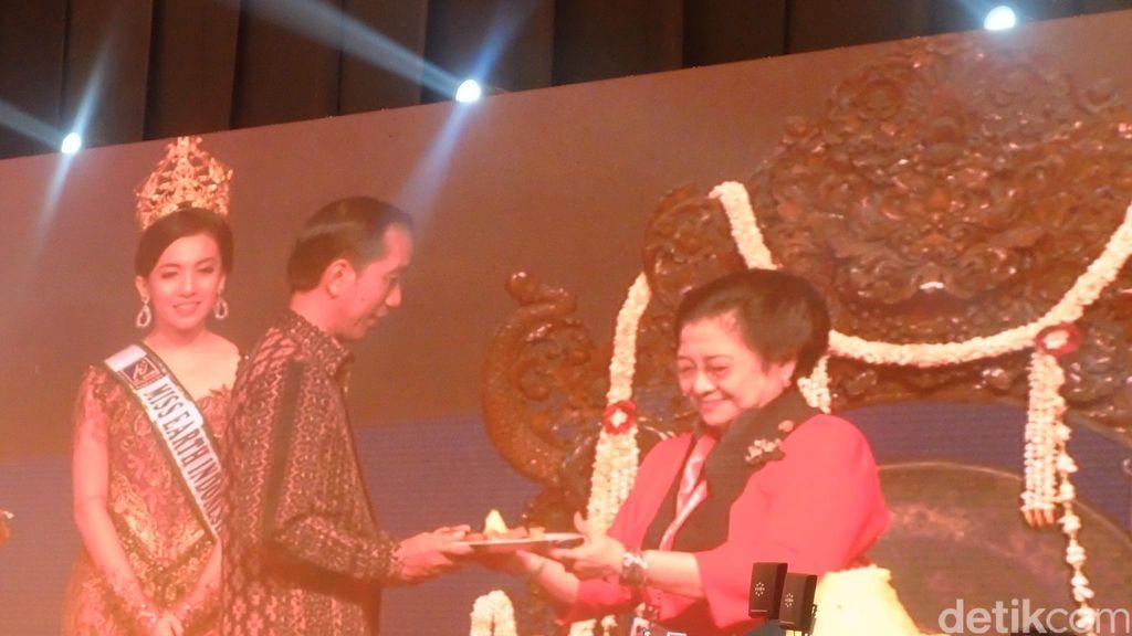 Melihat Hubungan Jokowi dan Mega yang Kian Mesra