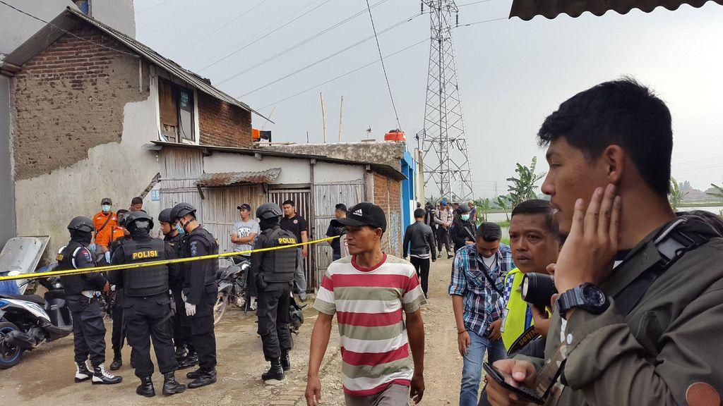 Polisi Gerebek Rumah di Bandung, Diduga Terkait Bom Malam Tahun Baru