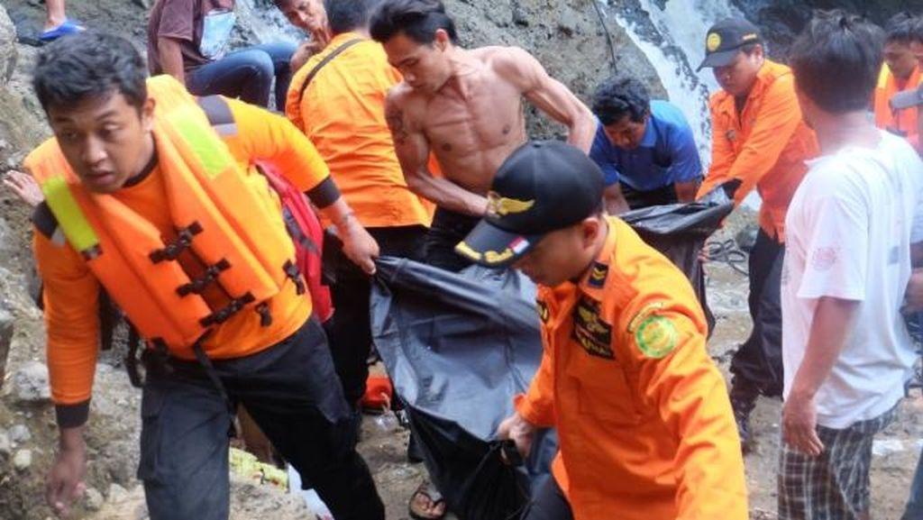 Pria di Semarang Tewas Tenggelam Saat Mandi di Air Terjun
