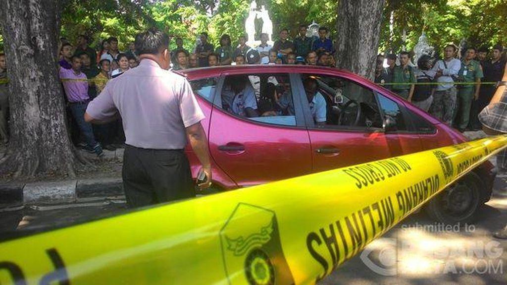 Pria Ditemukan Tewas di Dalam Mobil di Depan Kantor Gubernur Bali