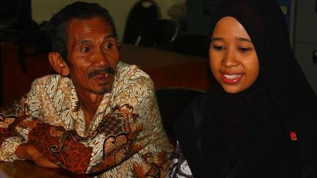 Raih Cumlaude di Malaysia, Heni Pilih Balik Kandang ke Surabaya