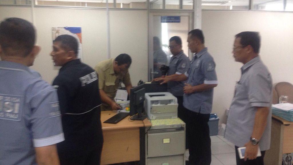 Polisi Sita Dokumen di Kantor Dinas Pajak DKI Terkait Dugaan Korupsi