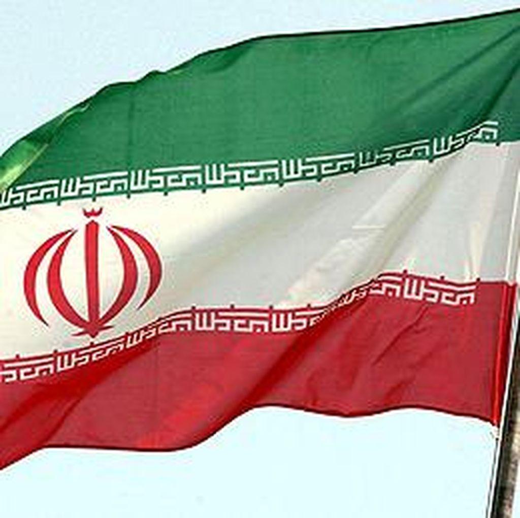 Ikut Pesta Kelulusan Bersama, 30 Pemuda dan Pemudi Iran Dihukum Cambuk