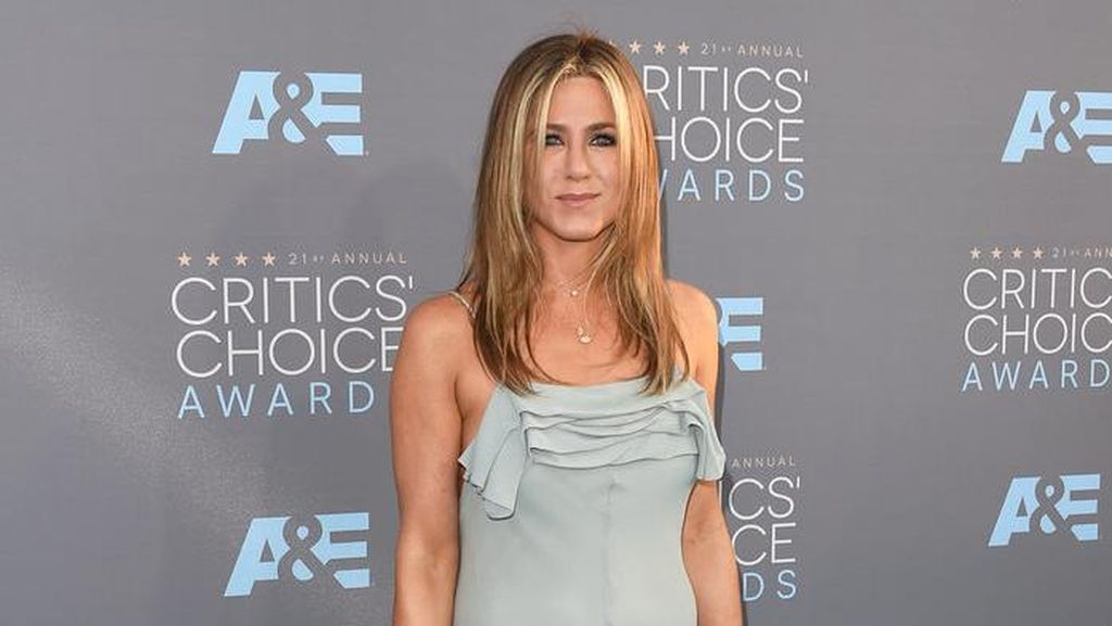 Jennifer Aniston dan Justin Theroux Ingin Adopsi Anak?