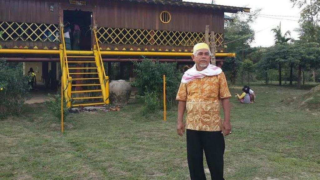Lebih Dekat dengan Suku Sakai yang Terpinggirkan di Bumi Riau nan Kaya