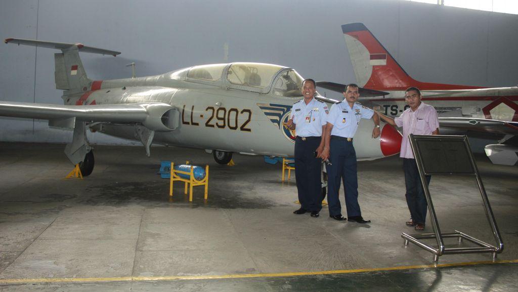 Pesawat Kepresidenan Bung Karno Akan Meriahkan Nikah Bareng di Angkasa