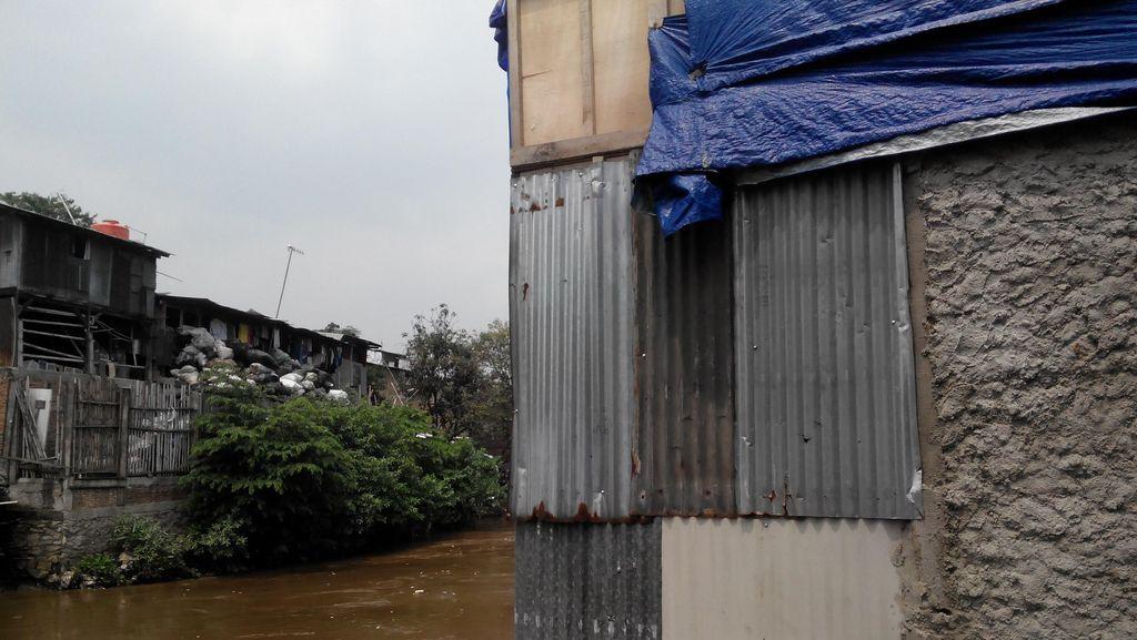 Penghuni Rumah Dekat Ciliwung yang Digerebek Pesta Narkoba Belum Lapor RT