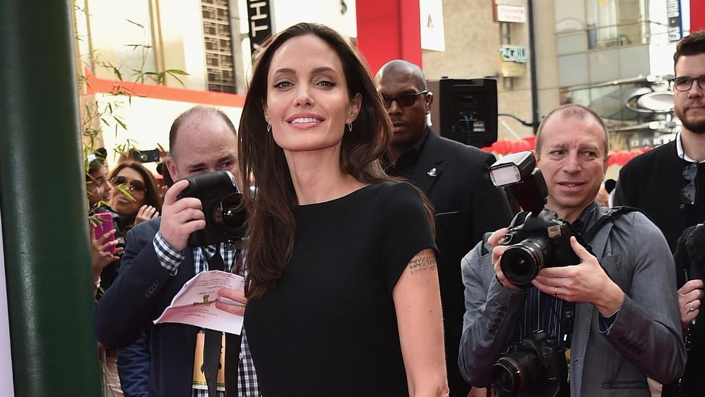 Angelina Jolie Pernah Merasa Tak Ingin Jadi Ibu