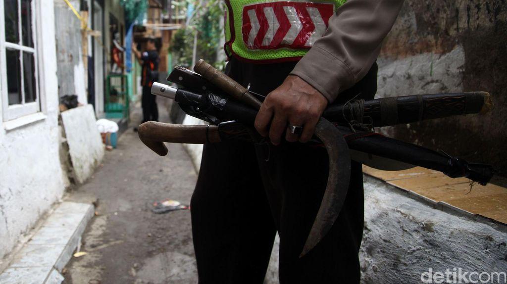 Polisi Tangkap Komplotan Bandit yang Merampok Kades di Pasuruan