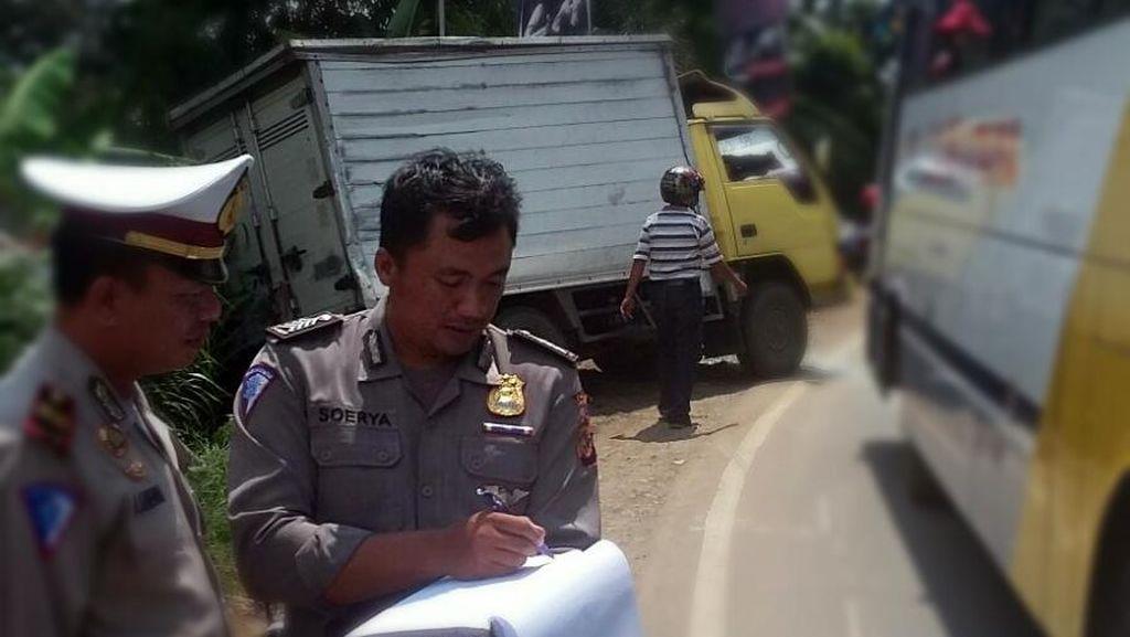 Kecelakaan Beruntun di Jalur Sukabumi-Bogor, 1 Pemotor Masuk Kolong Bus