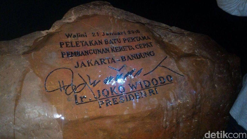 Salah Tulis di Prasasti Kereta Cepat yang Diteken Jokowi Sudah Diperbaiki