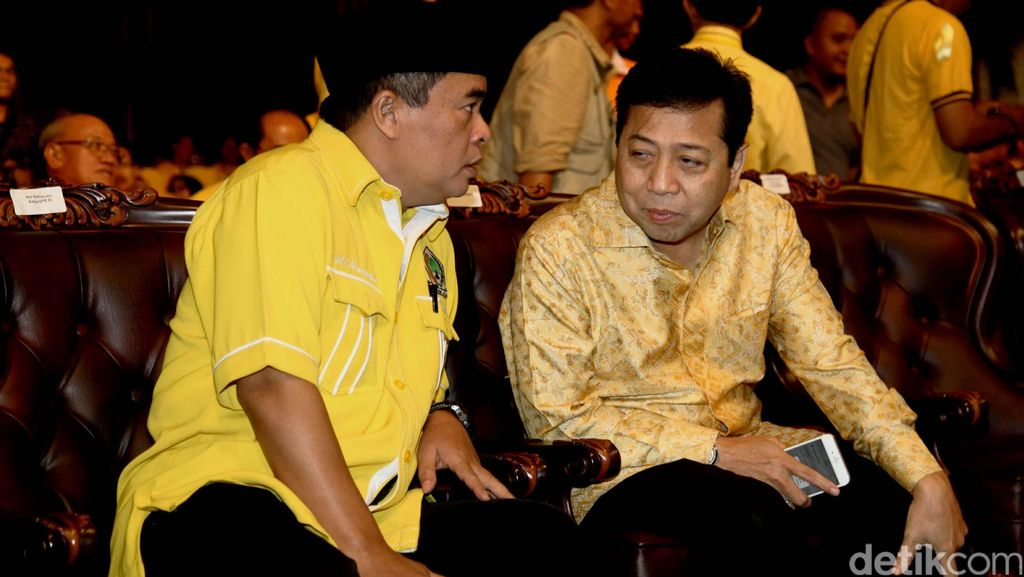 Gerilya Loyalis Novanto Jelang Munas Golkar
